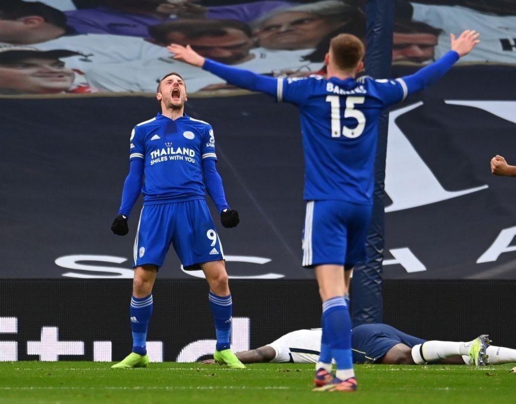Leicester vence Tottenham e isola-se na vice-liderança da 'Premier League'