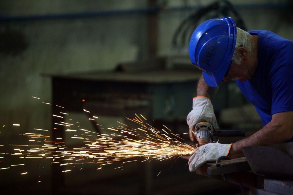 Preços na produção industrial caem 4,7% em novembro
