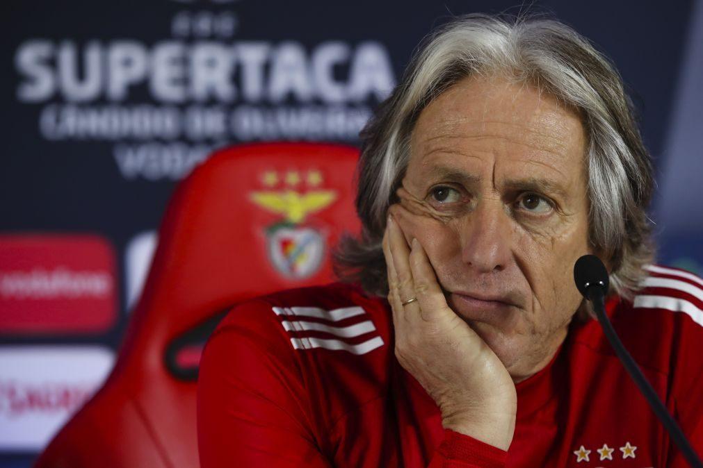 Jesus diz que ausência de Pizzi não é problema porque Benfica preparou-se para a pandemia