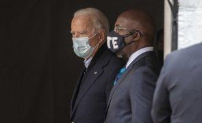 Covid-19: Biden alerta que EUA ainda vão passar pelos