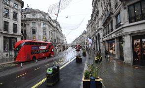 Covid-19: Reino Unido regista 744 mortes, valor mais alto desde abril