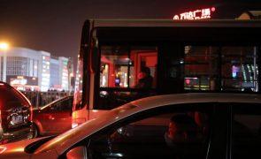 Covid-19: China soma 11 casos importados e seis por contágio local
