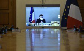 Covid-19: Presidente francês termina quarentena