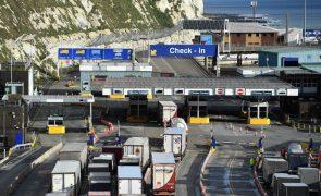 Covid-19: Governo português acompanha no terreno motoristas retidos no Reino Unido