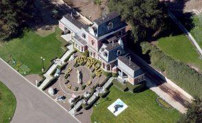 Rancho de Michael Jackson, Neverland, comprado por bilionário norte-americano
