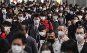Covid-19: Japão deteta primeiros casos da nova estirpe provenientes do Reino Unido