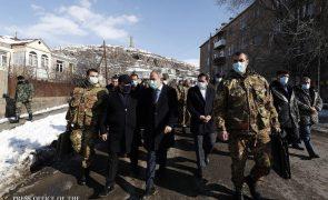 Nagorno-Karabakh: Primeiro-ministro disposto a convocar eleições na Arménia em 2021