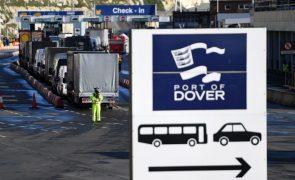 Covid-19: Milhares de camiões já passaram o Canal da Mancha rumo a França