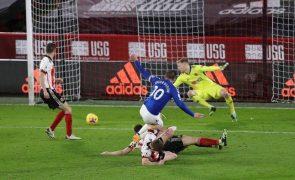 Everton sobe ao segundo lugar, Manchester City em lugares europeus