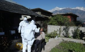 Covid-19: Índia com 279 mortes e mais de 18 mil casos nas últimas 24 horas