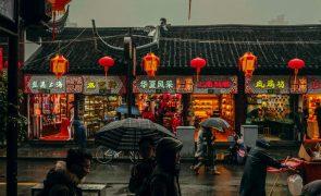 Prisão para jornalista que reportou surto de covid-19 em Wuhan