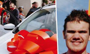 McDonalds oferece presente milionário a família de adolescente autista [vídeo]