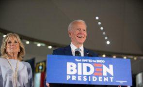 Algumas agências governamentais continuam a resistir à transição - Biden