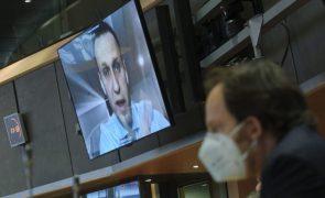 Navalny: Rússia dá ao opositor do Kremlin um dia para se apresentar e evitar prisão