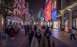 Covid-19: China soma 12 casos importados e 15 por contágio local