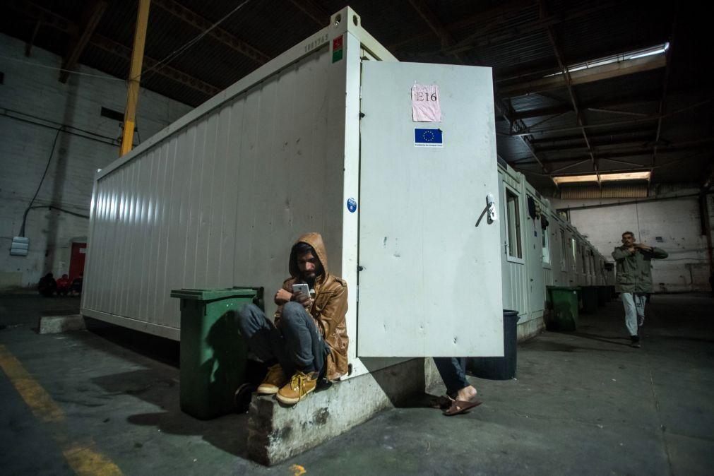 Migrações: Perto de 3.000 refugiados sem abrigo enfrentam inverno bósnio