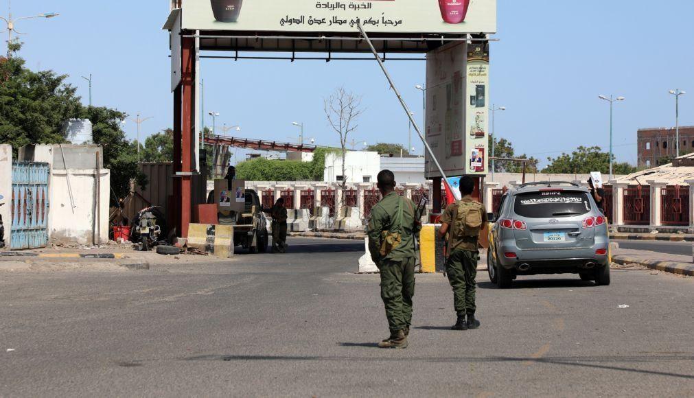 Explosões no aeroporto de Aden provocam pelo menos 16 mortos e 60 feridos