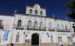 Covid-19: Utentes infetados de lar em Évora transferidos para estrutura de acolhimento