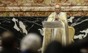 Covid-19: Papa agradece a trabalhadores da saúde e docentes em homilia lida por cardeal
