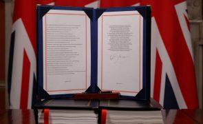 'Brexit' tornou-se hoje realidade após anos de impasse