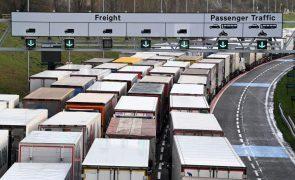 Brexit: Calma no túnel de Calais no primeiro dia após a saída do Reino Unido