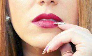 Dez tendências que destroem o look de qualquer mulher
