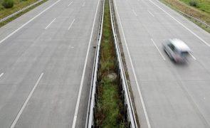 Braga: Um morto e três feridos em acidente com carrinha na A3