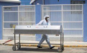 Covid-19: Centro hospitalar recusa tratamento indigno de cadáveres