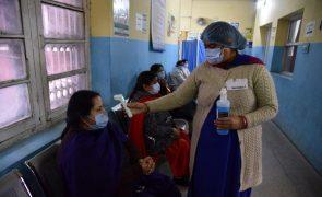 Covid-19: Índia com 214 mortos e mais de 16 mil casos nas últimas 24 horas