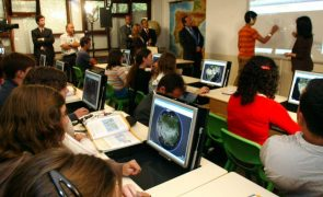 Covid-19: Ministro da Educação anuncia reforço da Internet nas escolas