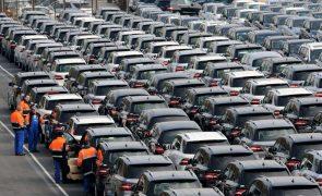 Mercado automóvel cai quase 34% em 2020