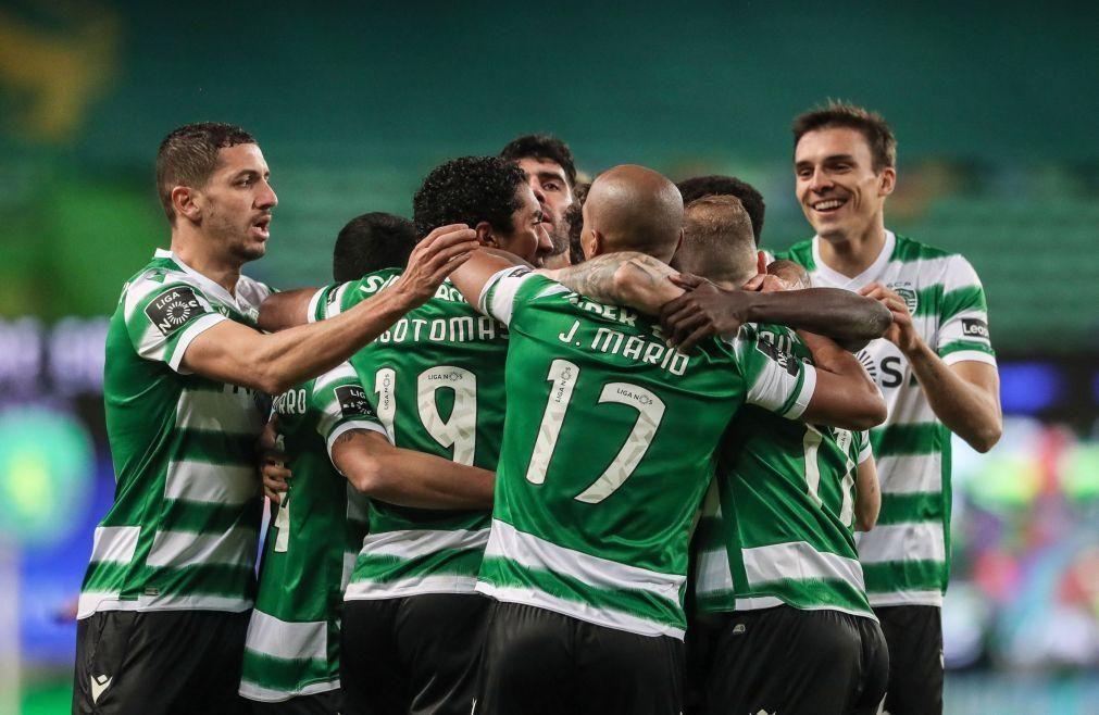 Líder Sporting procura dilatar margem para os rivais na Choupana