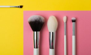 Maquilhagem Amarelo e cinzento: Como usar as cores de 2021 na sua maquilhagem
