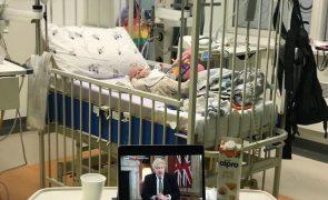 Estrela de Harry Potter tem filho de dois meses hospitalizado com covid-19