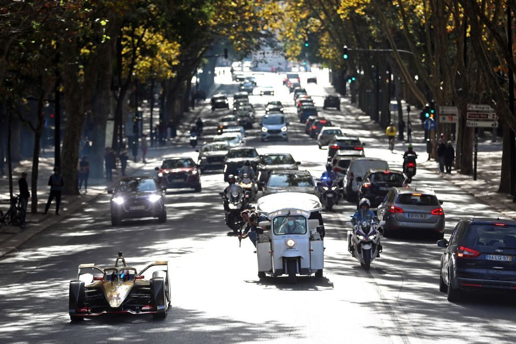 PS quer proibir venda de veículos ligeiros a combustíveis fósseis a partir de 2035
