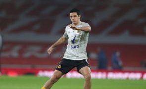 Raul Jiménez já realiza exercícios físicos no Wolves de Nuno Espírito Santo