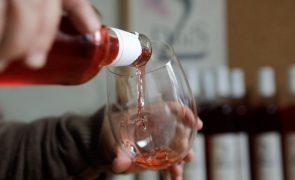 Covid-19: Venda de vinho para a restauração com quebra de 50% até setembro - Associação