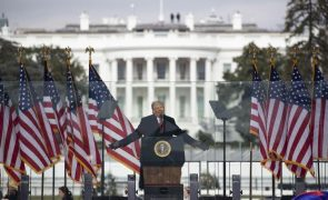 Trump pede a manifestantes no Capitólio que se mantenham pacíficos