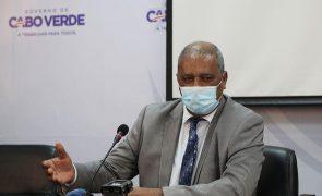 Covid-19: Ministro da Saúde de Cabo Verde não se compromete com datas para vacinação