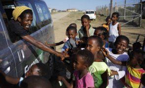 Covid-19: Restrições na África do Sul dificultam travessia na principal fronteira moçambicana
