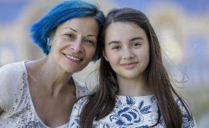 Wanda Stuart Revoltada com regras contra a covid-19 nas escolas. Filha ficou doente