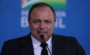 Covid-19: Brasil comprará 100 milhões de doses da CoronaVac - ministro