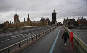 Covid-19: Inglaterra exige teste negativo para entrada no país