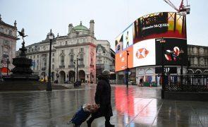 Covid-19: Reino Unido proíbe viagens de países africanos incluindo Angola e Moçambique