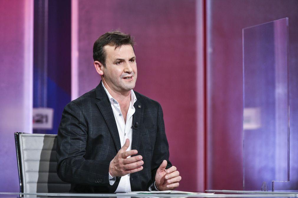 Covid-19: Vitorino Silva quer assistir a reunião do Infarmed para levar