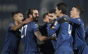 FC Porto vence em Famalicão e mantém distância para o líder Sporting