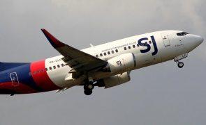 Avião desaparece do radar quatro minutos após descolar de Jacarta