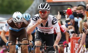 Suíço Marc Hirschi assina pela equipa de ciclismo UAE Emirates por três anos