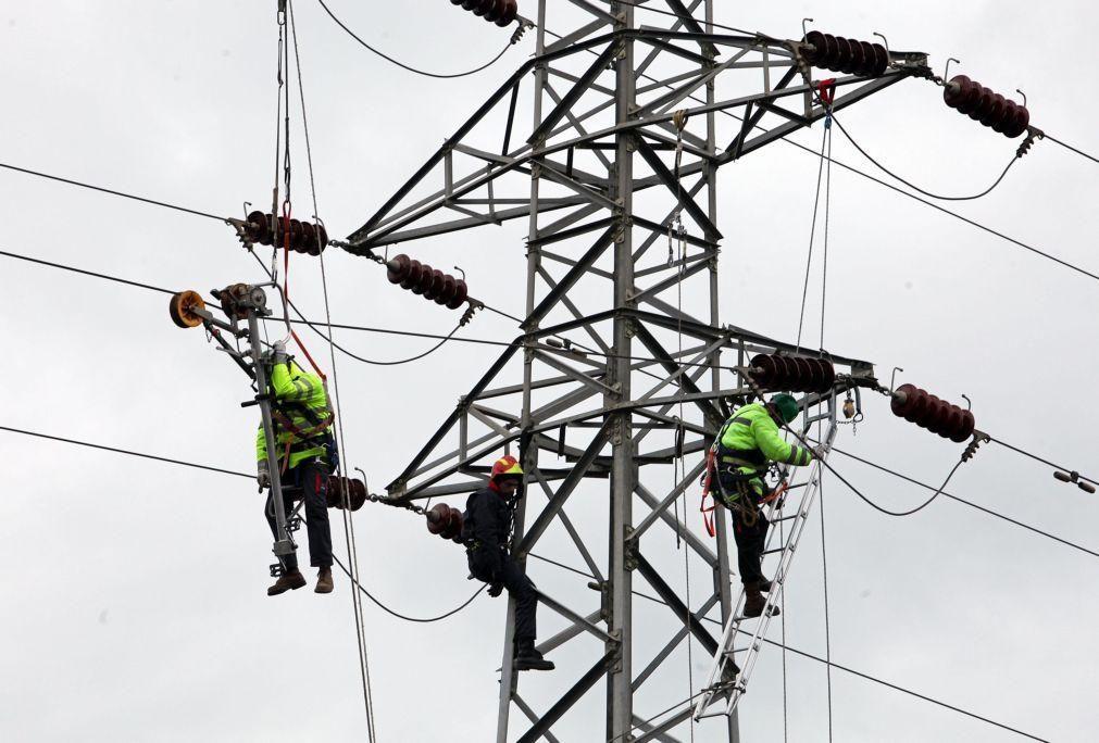 Aumento de consumo de eletricidade devido a frio e teletrabalho causam falhas no fornecimento