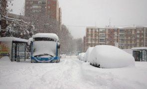 Tempestade de neve em Espanha provoca três mortos
